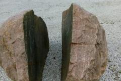 Flækket sten ved Give B&B